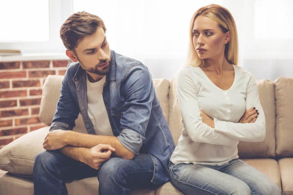 言葉よりも「しぐさ」が本音を語る。会話中相手の好意を読み解くポイント 2番目の画像