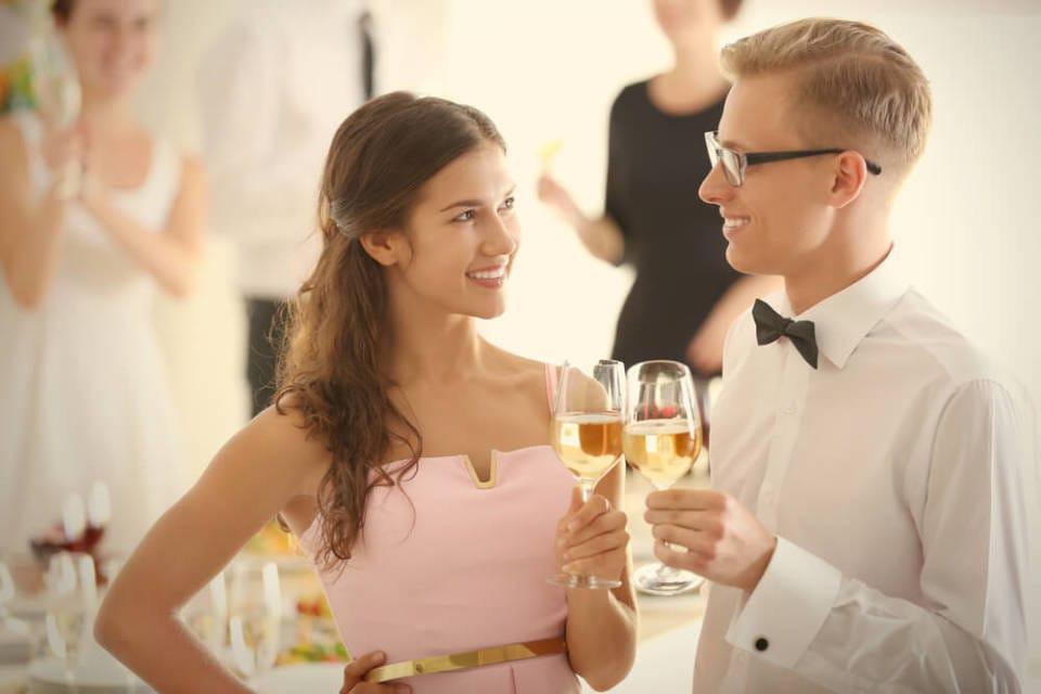 立食パーティ、婚活イベントで成果を出す会話術 1番目の画像