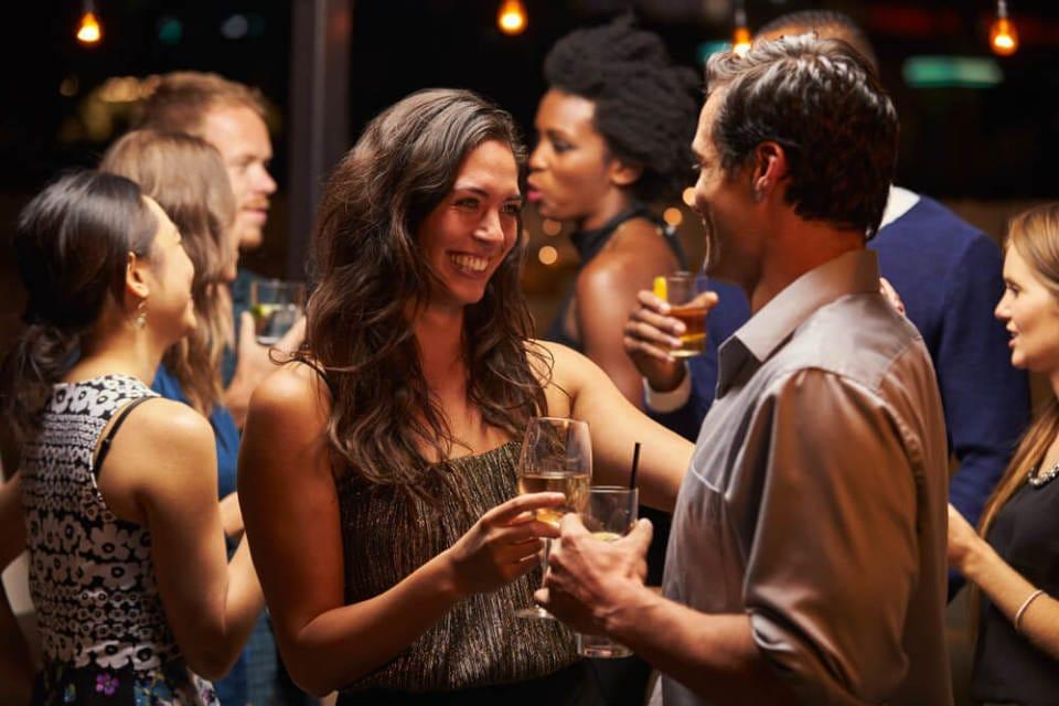 立食パーティ、婚活イベントで成果を出す会話術 2番目の画像