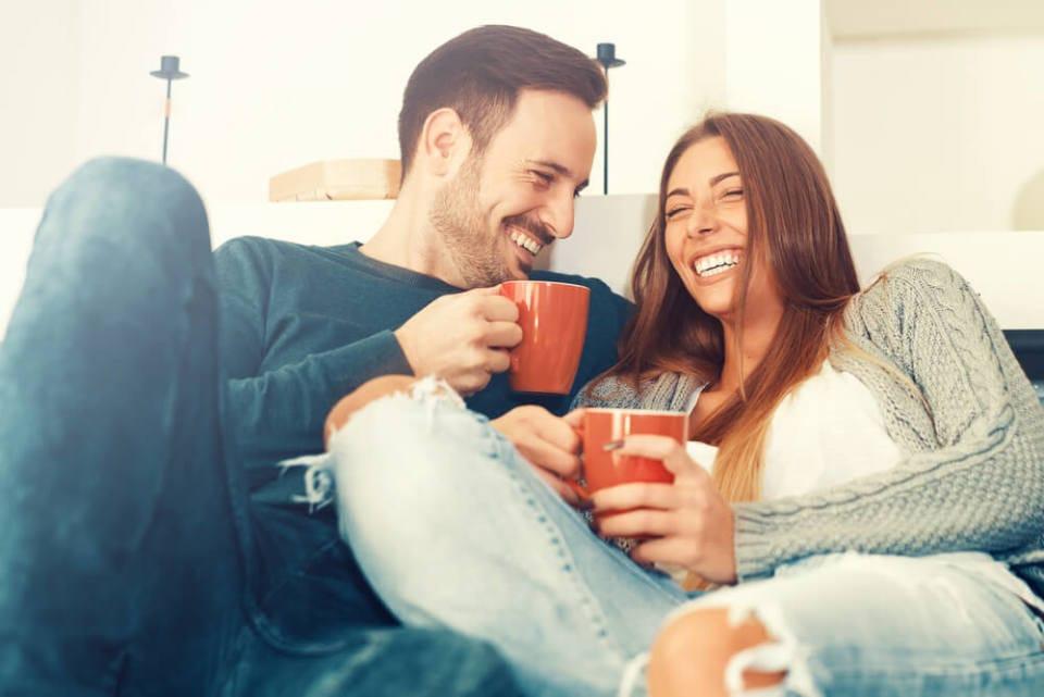 好きな人にアプローチする際のベストな会話の方法とは? ポジティブ発言とネガティブ発言の黄金比率 1番目の画像