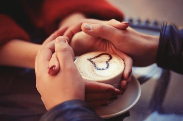 【自己開示】好きな人との心の距離がぐっと近づく会話と話題10選 3番目の画像
