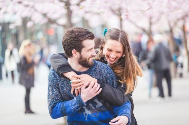 モテる男の仕草とは?女性が惚れるかっこいい男の振る舞い方を心理学から解説 1番目の画像