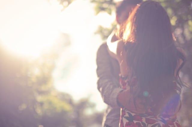 ケンカ中の彼女と仲直りしたい男性必見。心理学から判明した上手な謝り方と仲直りの方法 2番目の画像
