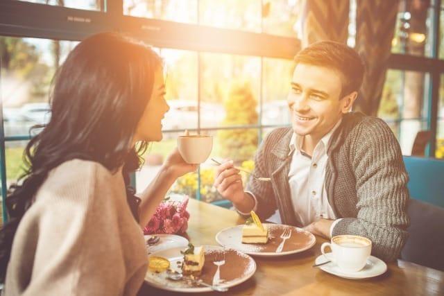 聞き上手な男は女性にモテる!聞き上手が持つ「傾聴スキル」を身につける方法 1番目の画像