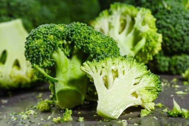 肌に良い食べ物とは?科学的に証明された肌をきれいにする食品と悪い食品 2番目の画像