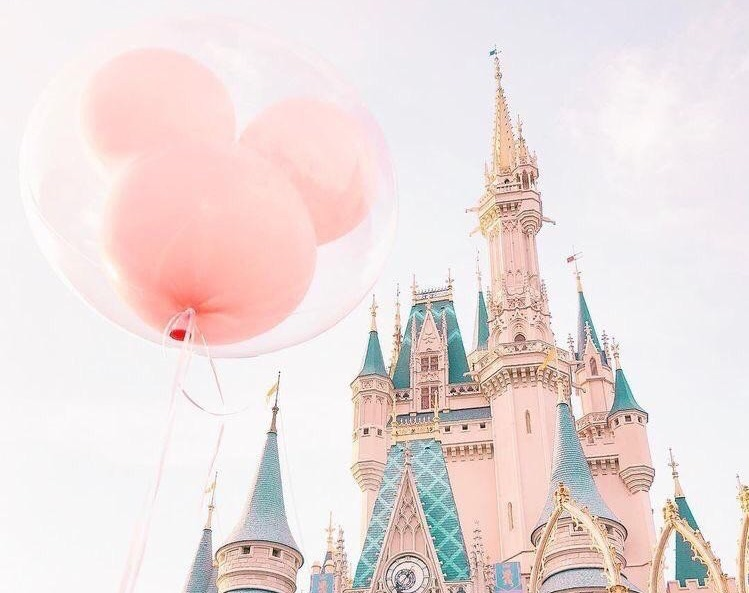 ディズニーに行くカップル必見!別れ対策&楽しみ方&おすすめのディズニーコーデ 2番目の画像