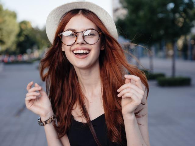 愛嬌のある女性はなぜモテる?愛嬌のある女性の特徴6選 1番目の画像