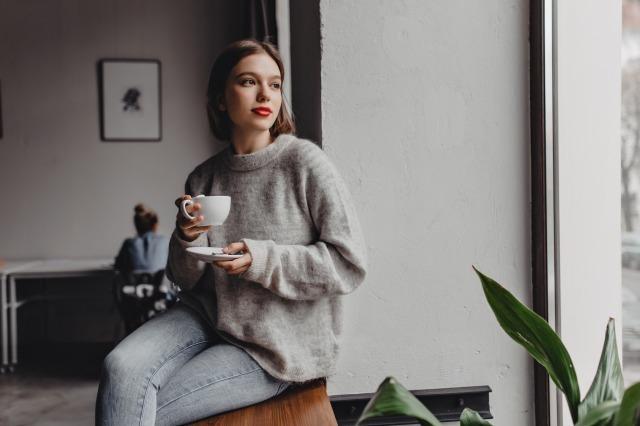 上品な人の特徴10選。品格のある女性に共通する魅力とは?|賢恋研究所 3番目の画像