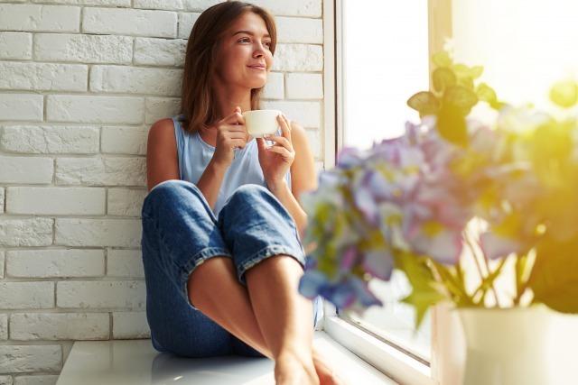 孤独感に押しつぶされそうになる原因は?独りぼっちに陥りやすい人の特徴と対処法|賢恋研究所 3番目の画像