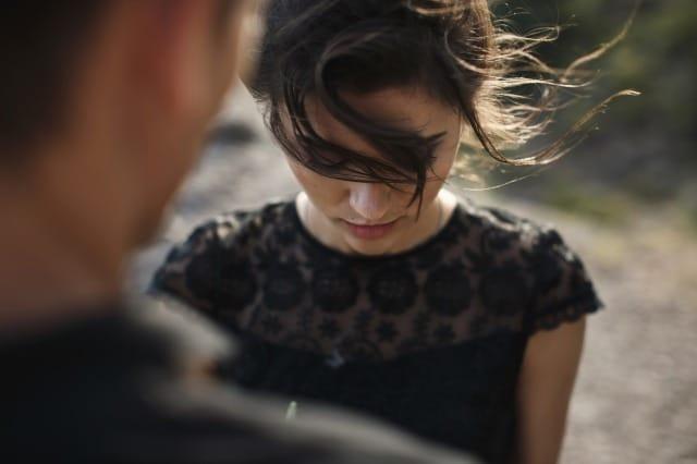 「彼氏・彼女がなんか変…?」違和感のある恋人を見極める方法