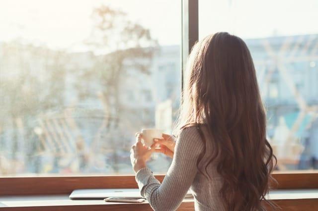 彼氏がいるのに他の人が気になる…乗り換えるべきか付き合い続けるべきか判断する方法