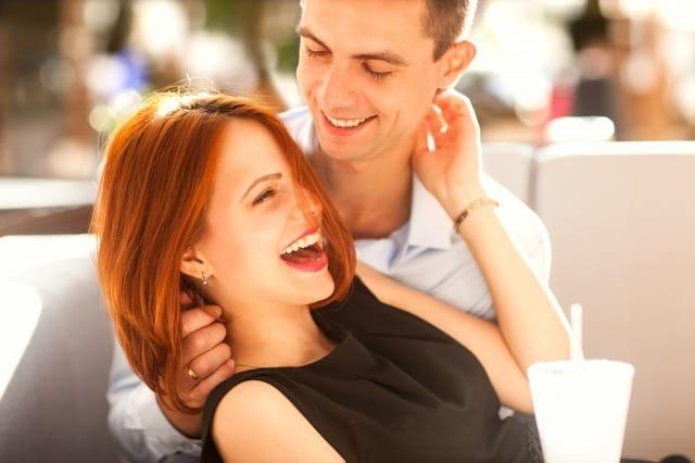 モテる男の会話術!心理学を利用した好感度が上がる3つの会話テクニックとNG話題