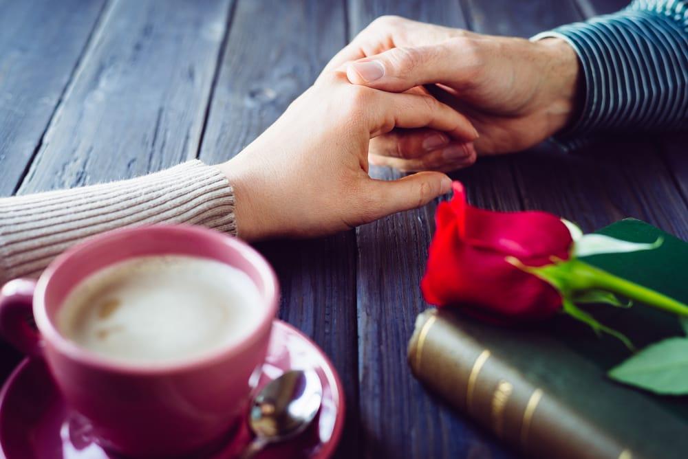 一番重要なのは「自己紹介」! マッチングアプリで理想の恋人が見つかるプロフィールの作り方