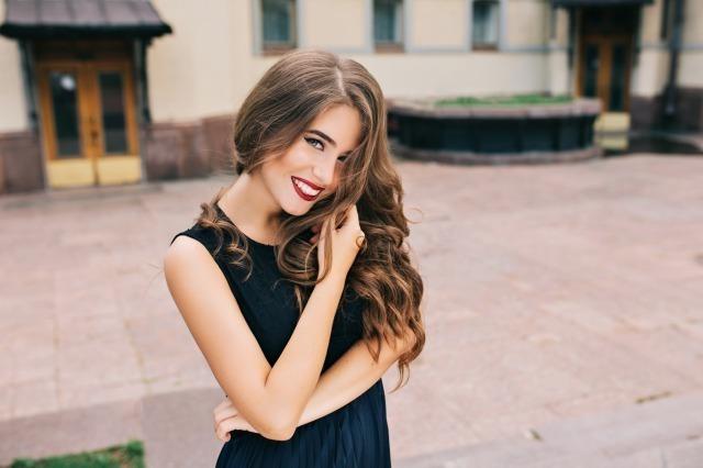 美人に共通する条件は?見た目も心も美しい人の特徴と美人になる方法
