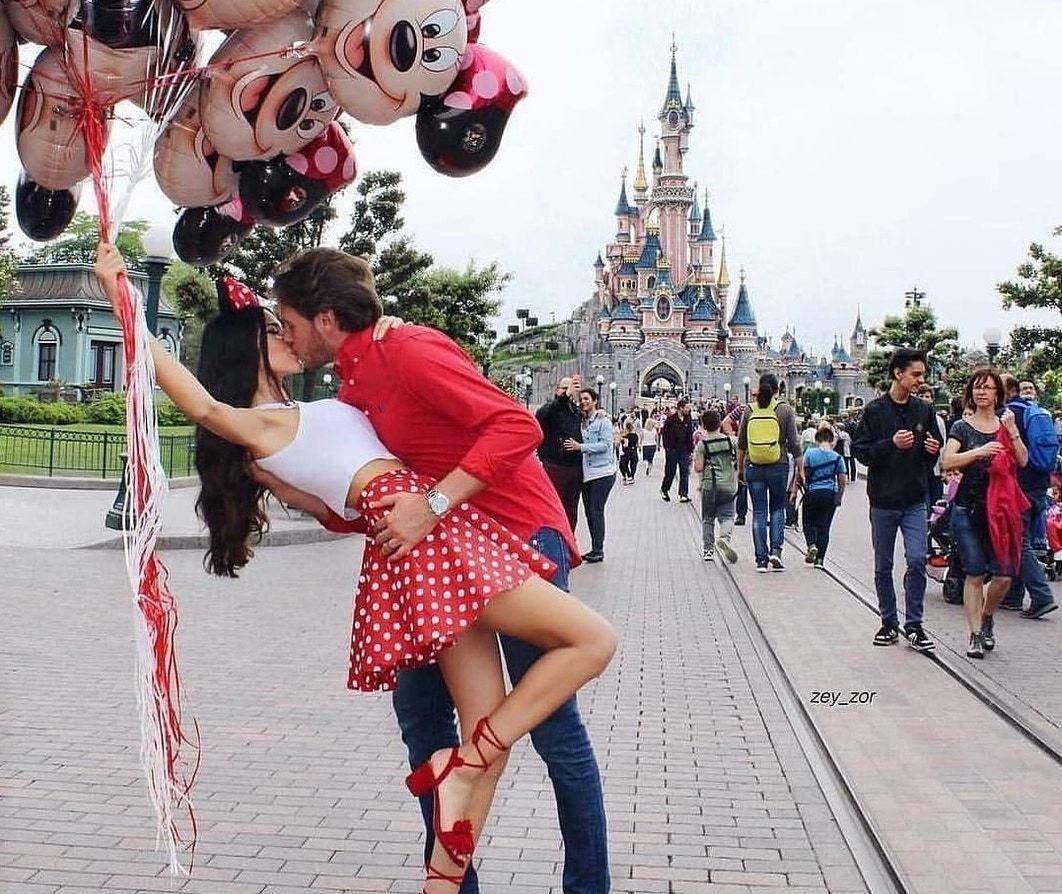 ディズニーに行くカップル必見!別れ対策&楽しみ方&おすすめのディズニーコーデ